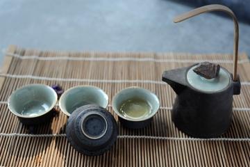 菩提系列黑釉半提梁壺